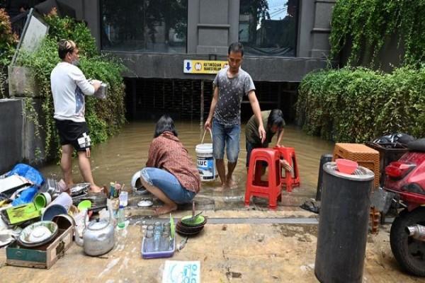 banjir-di-bojong-gede-akibatkan-54-kk-terdampak-image